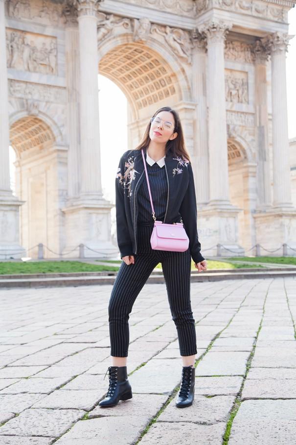total look gessato outfit con trend gessato