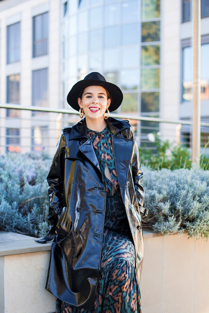 irene colzi trench nero outfit