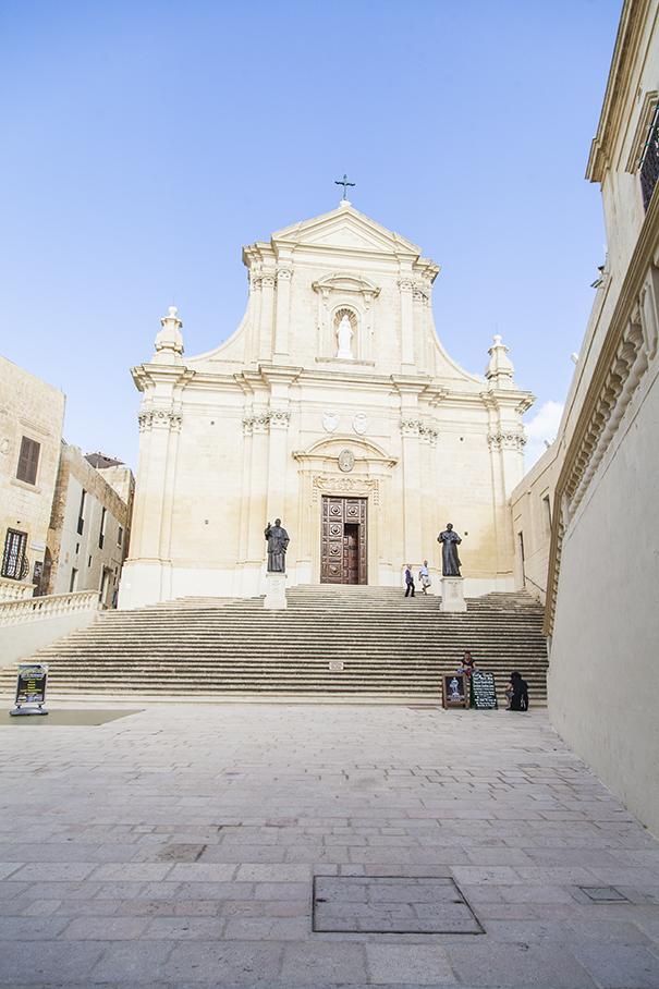 monumenti e chiese di malta