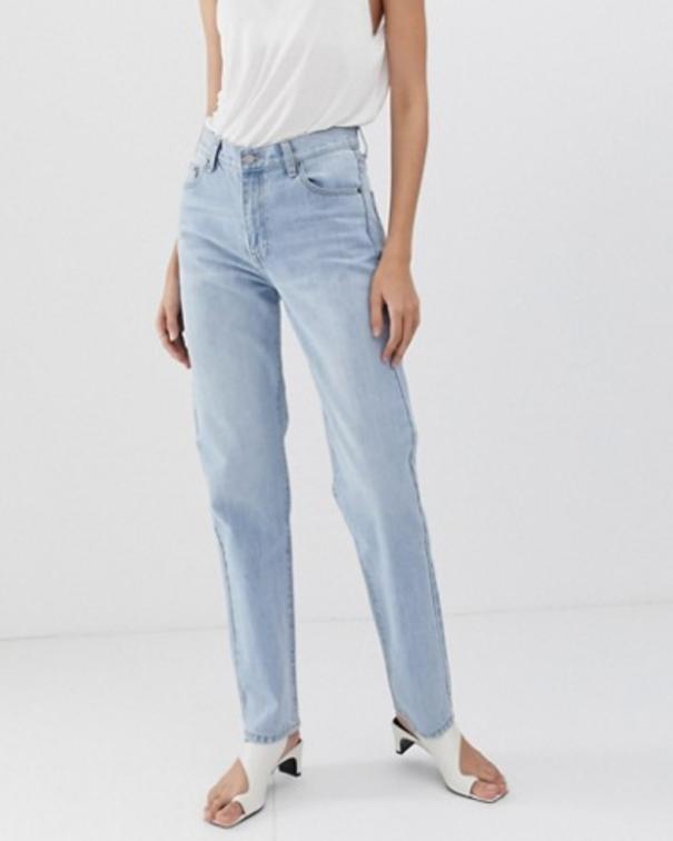 Jeans chiari o scoloriti