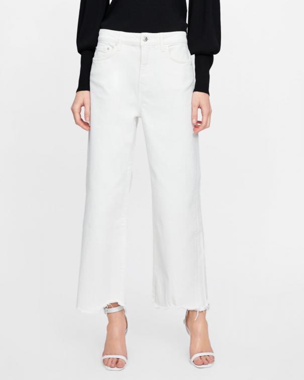jeans larghi con camicia