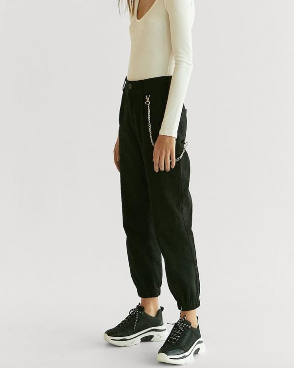 pantaloni cargo con le tasche neri
