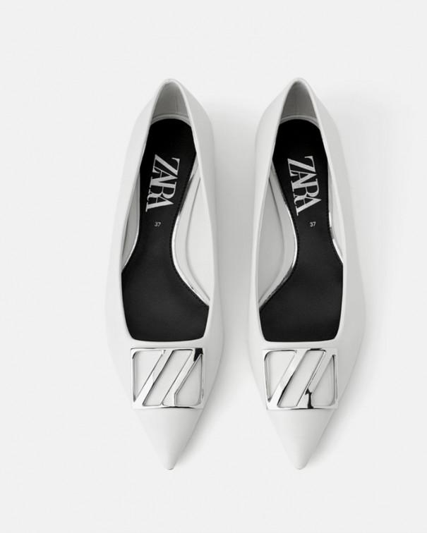 Rendi le scarpe basse protagoniste del tuo look ballerine bianche