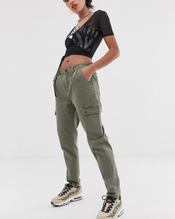 pantaloni cargo verdi