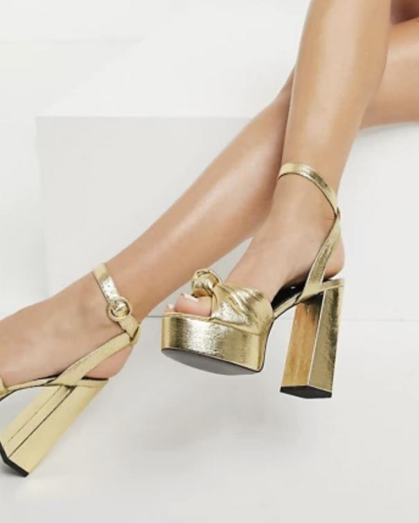 sandali con tacco e plateau1